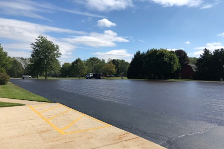 asphalt-sealcoating-parking-lots-pittman-asphalt
